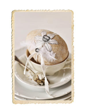 Handgjort dekorationsägg, påsklilja