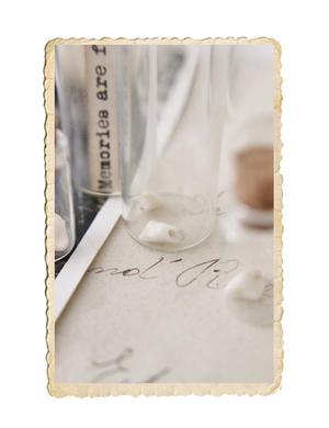 Miniatyr glasflaska med kork, finns i 5 olika storlekar