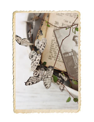 Handgjord fjärilskrans