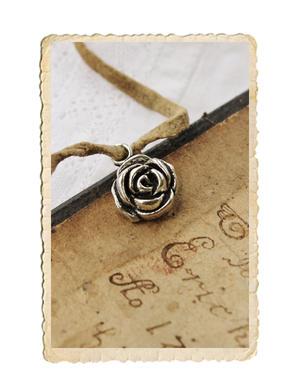 Ros berlock, antik silver