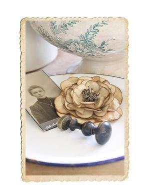 Handgjord pappersblomma, vintage